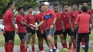 HLV-Indonesia-muon-danh-bai-ca-Viet-Nam-Thai-Lan-va-UAE_1